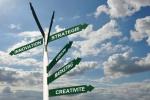 Panneaux innovation, stratégie, fond ciel